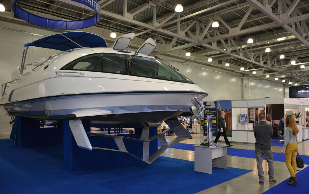 Яхта на подводном крыле LOOKER 440S