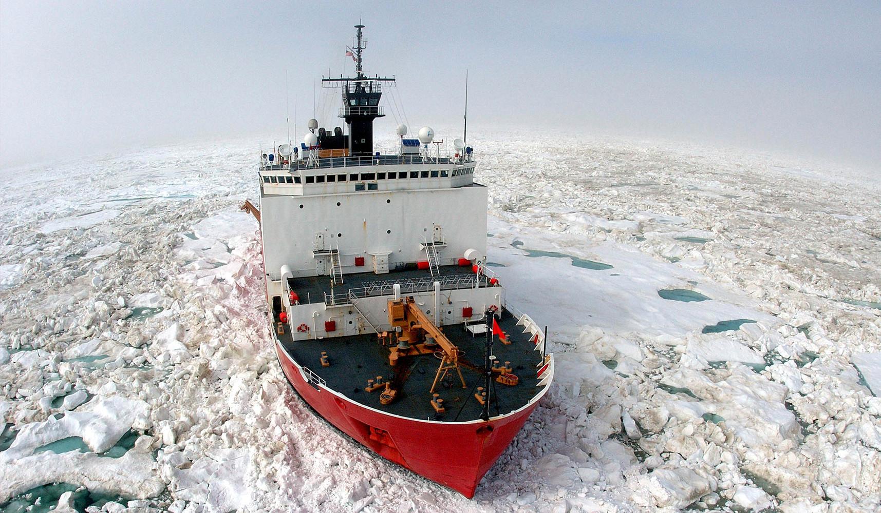 Флагман береговой Охраны США в Арктике.