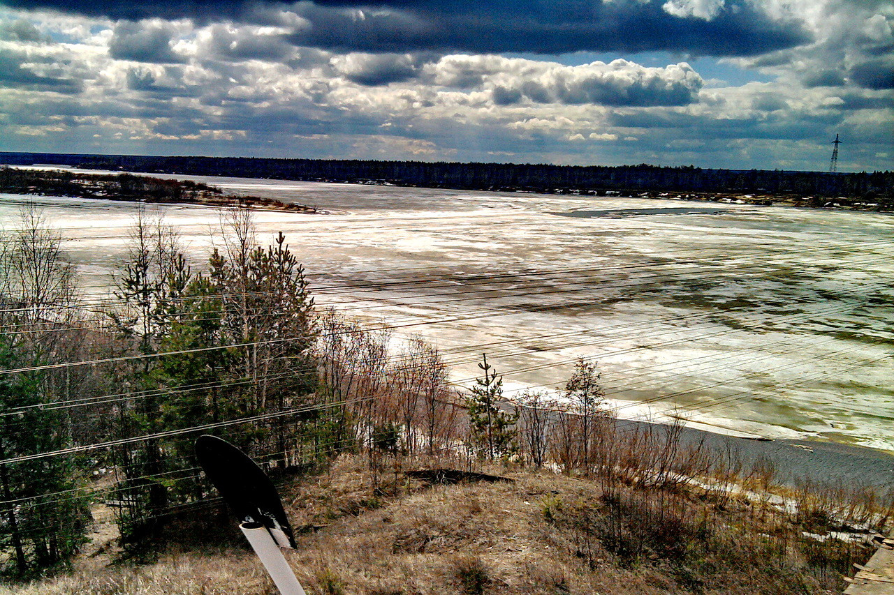 Подвижки льда на р. Вычегда у с. Межог