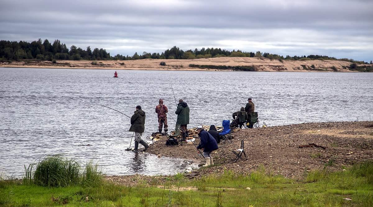 Рыболовы на Вычегре