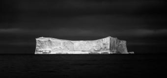 Айсберг в Диско Бэй, Гренландия.