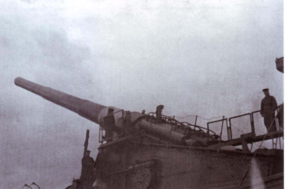 Орудие ТМ-III-12 на огневой позиции.