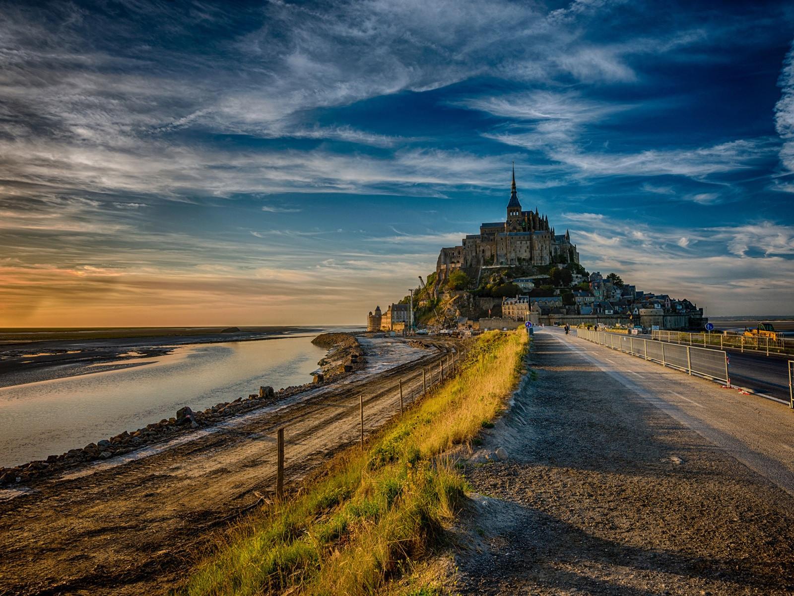 France-Mont-Saint-Michel-road-dusk_1600x1200