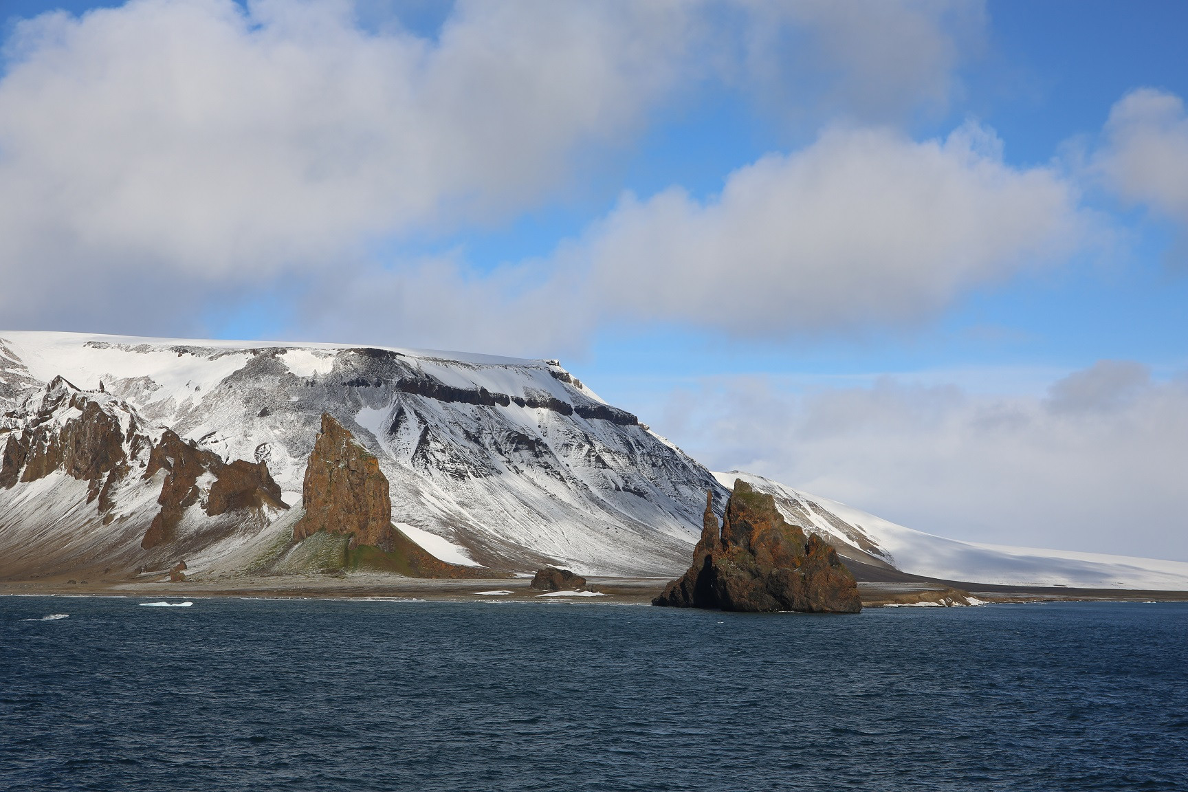 Мыс Тегетхоф острова Галля. Фото - И. Скалина