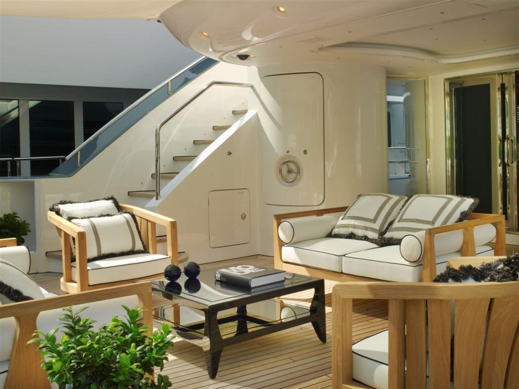 SetRatioSize1030773-Aft-SAlon-Main-Deck