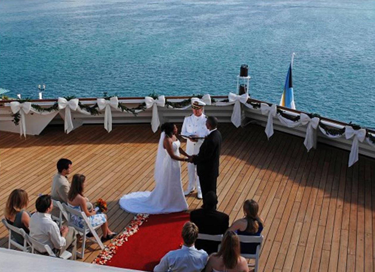 Свадьба на борту круизного лайнера.