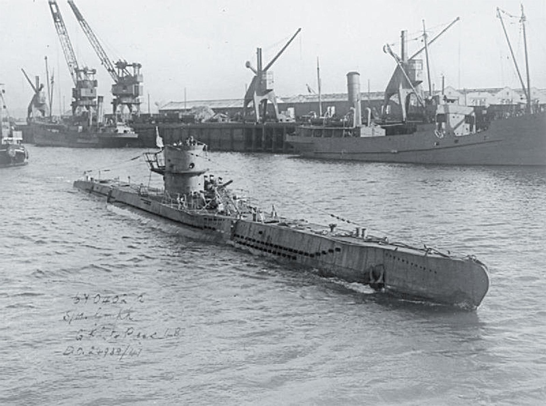 Подводная лодка времен  второй мировой войны