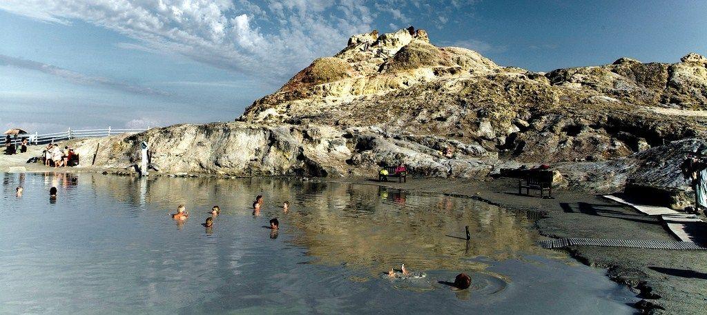Грязевые ванны острова Вулкано.