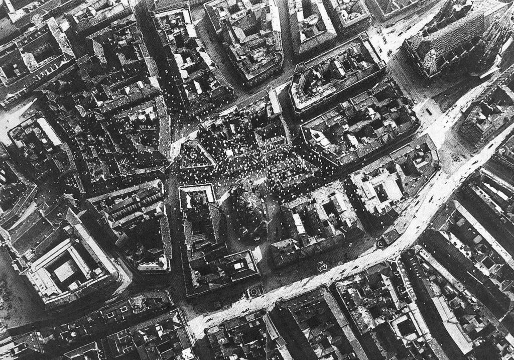 Листовки над Веной. Всего с семи самолётов эскадрильи «La Serenissima» 9 августа 1918 г. было сброшено 50 тыс. листовок