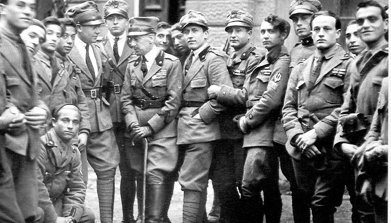 Команданте д'Аннунцио в кругу своих соратников в Фиуме