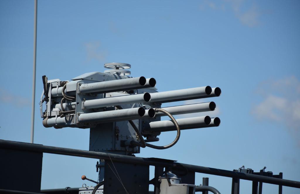 Дистанционно управляемый противодиверсионный гранатомёт ДП-65 на катере «Нахимовец»