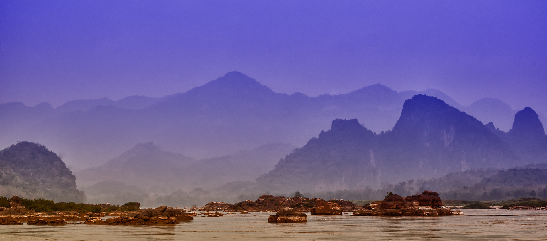 Река Mekhong. Laos