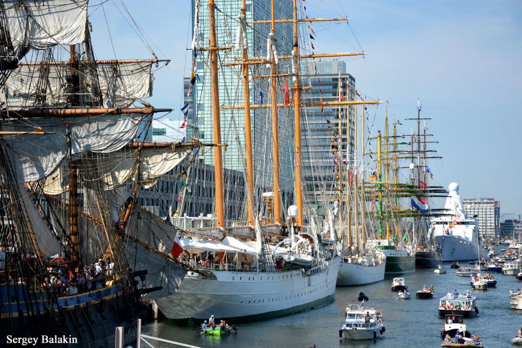 Гавань Амстердама в дни фестиваля