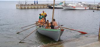 Четырехлетние дети на шлюпочной регате
