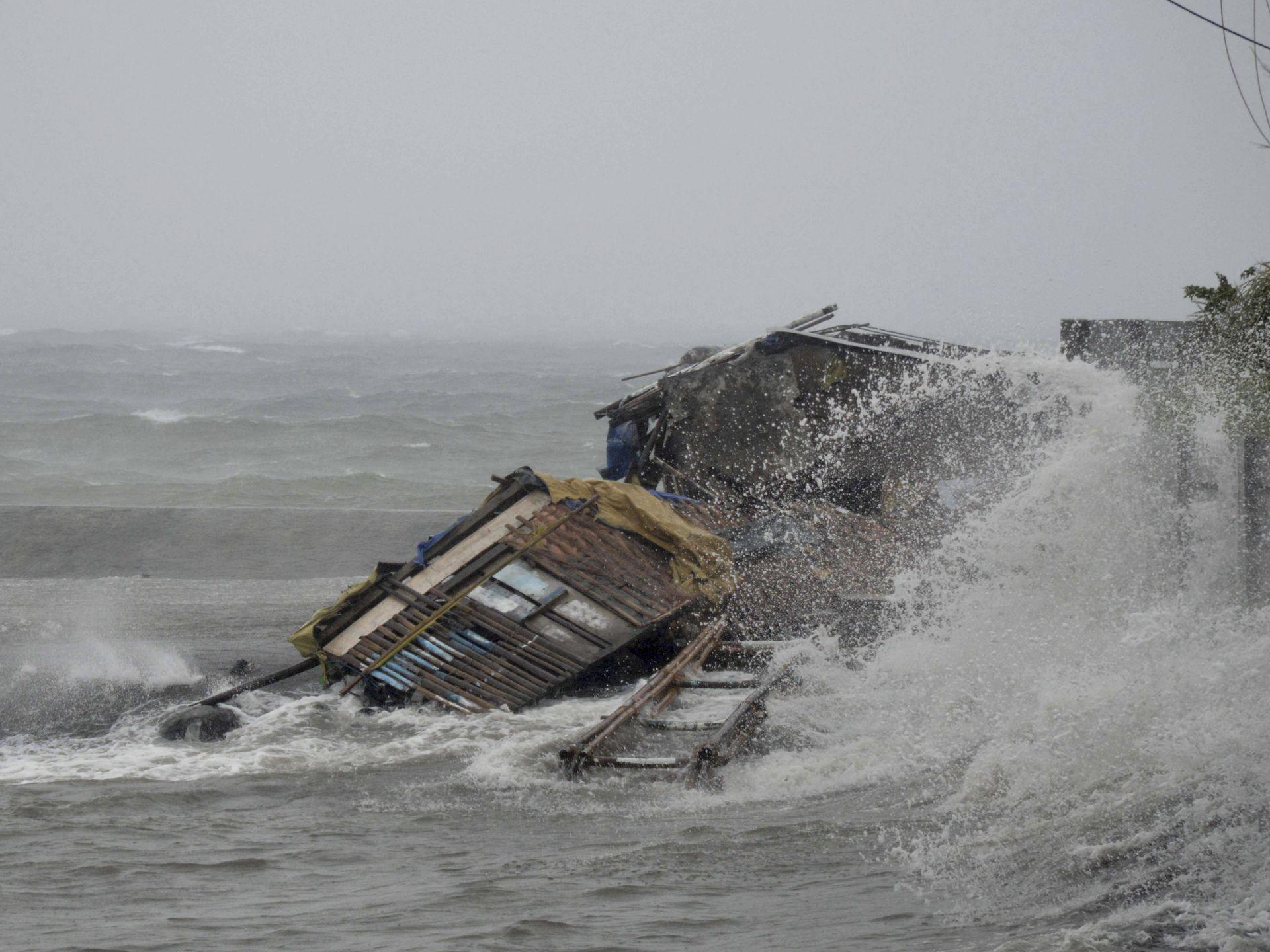 Разрушения, вызванные тайфуном на Филиппинах