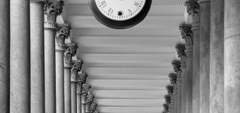Фото дня: Городские часы
