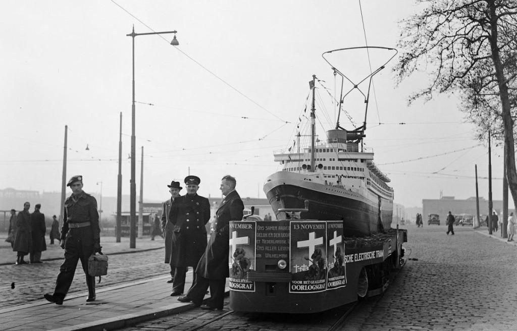 Трамвай-пароход на улицах Роттердама, 1938 г.