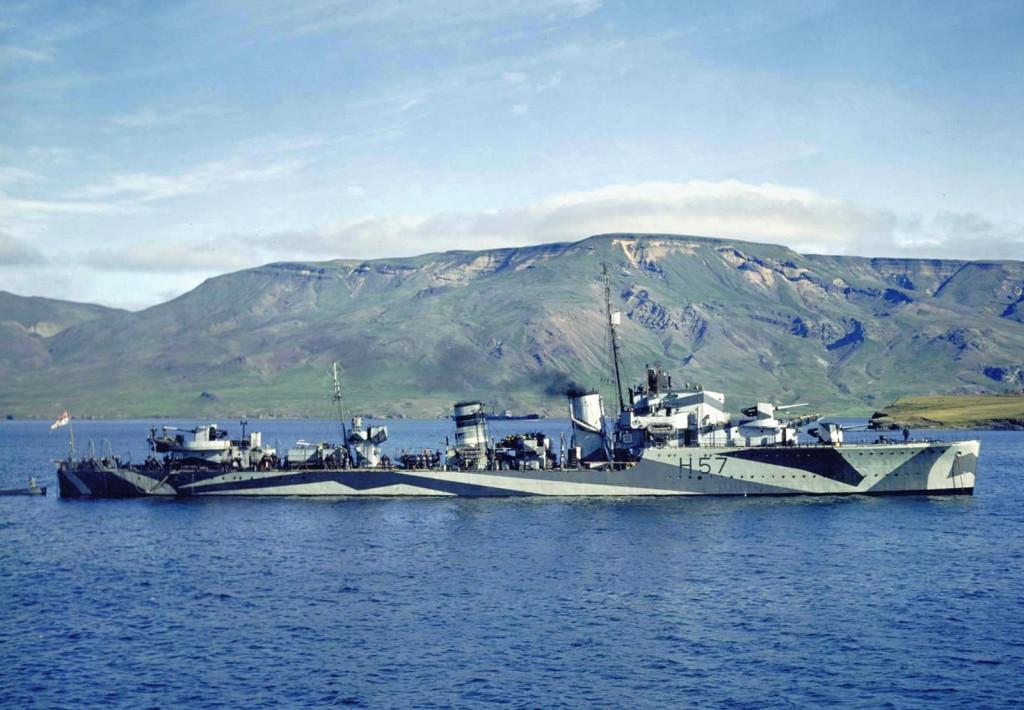 Английский эсминец «Hesperus» у берегов Исландии, 1942 г.