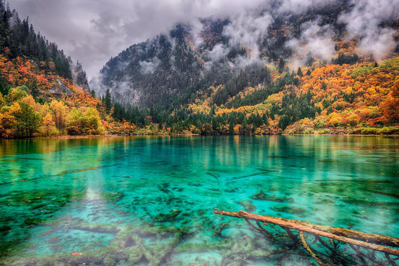 Озеро Пяти цветов, Китай.
