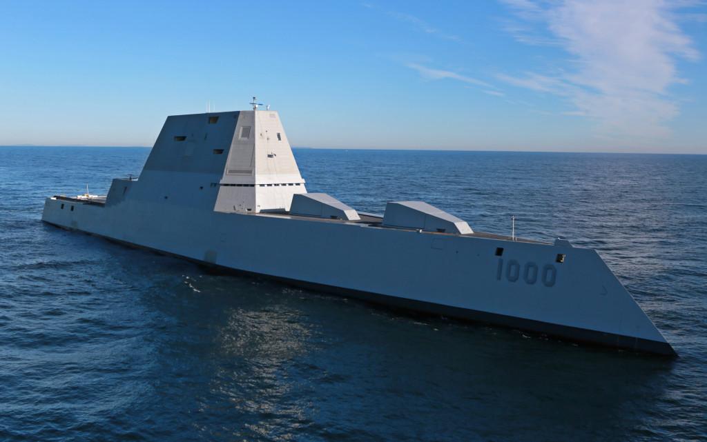 Эсминец DDG-1000 «Zumwalt» на ходовых испытаниях, 7 декабря 2015 г.