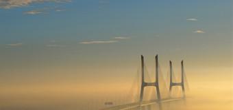 29 марта 1998 года был открыт самый длинный мост в Европе