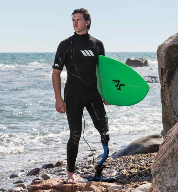 История Колина Кука, потерявшего ногу после встречи с акулой