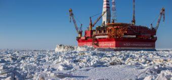 На «Приразломной» впервые в России протестировали оборудование для сбора нефти в ледовых условиях