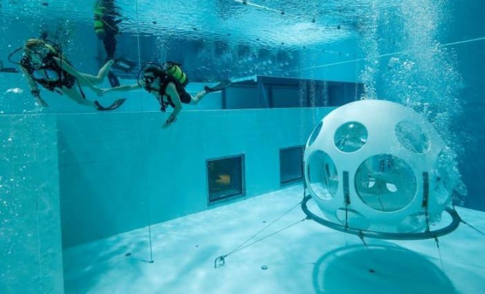 Подводный ресторан для дайверов