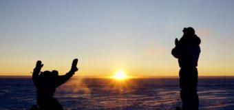 Фото дня: на исследовательской станции Конкордия в Антарктиде после четырех месяцев темноты взошло солнце