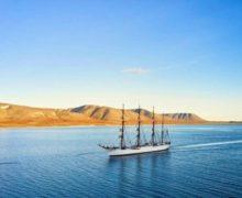 Учебный парусник «Седов» прибыл в порт Эгвекинот на Чукотке