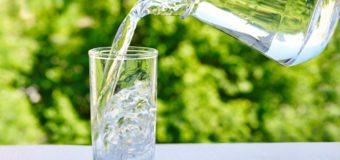 Немецкие ученые объяснили, как действует на организм стакан воды натощак
