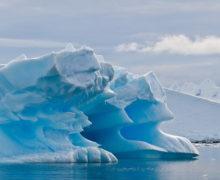 Что скрывается под тысячами метров льда в Антарктиде?