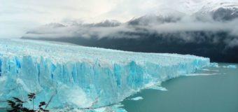 Гигантский айcберг откололся от ледника в Антарктиде